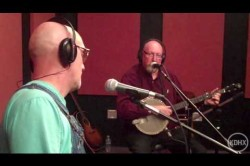 "Mike Compton & Joe Newberry ""Garfield's Blackberry Blossom"" Live at KDHX 06/11/10"
